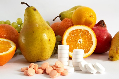 Можно ли принимать витамины во время простуды ребенка
